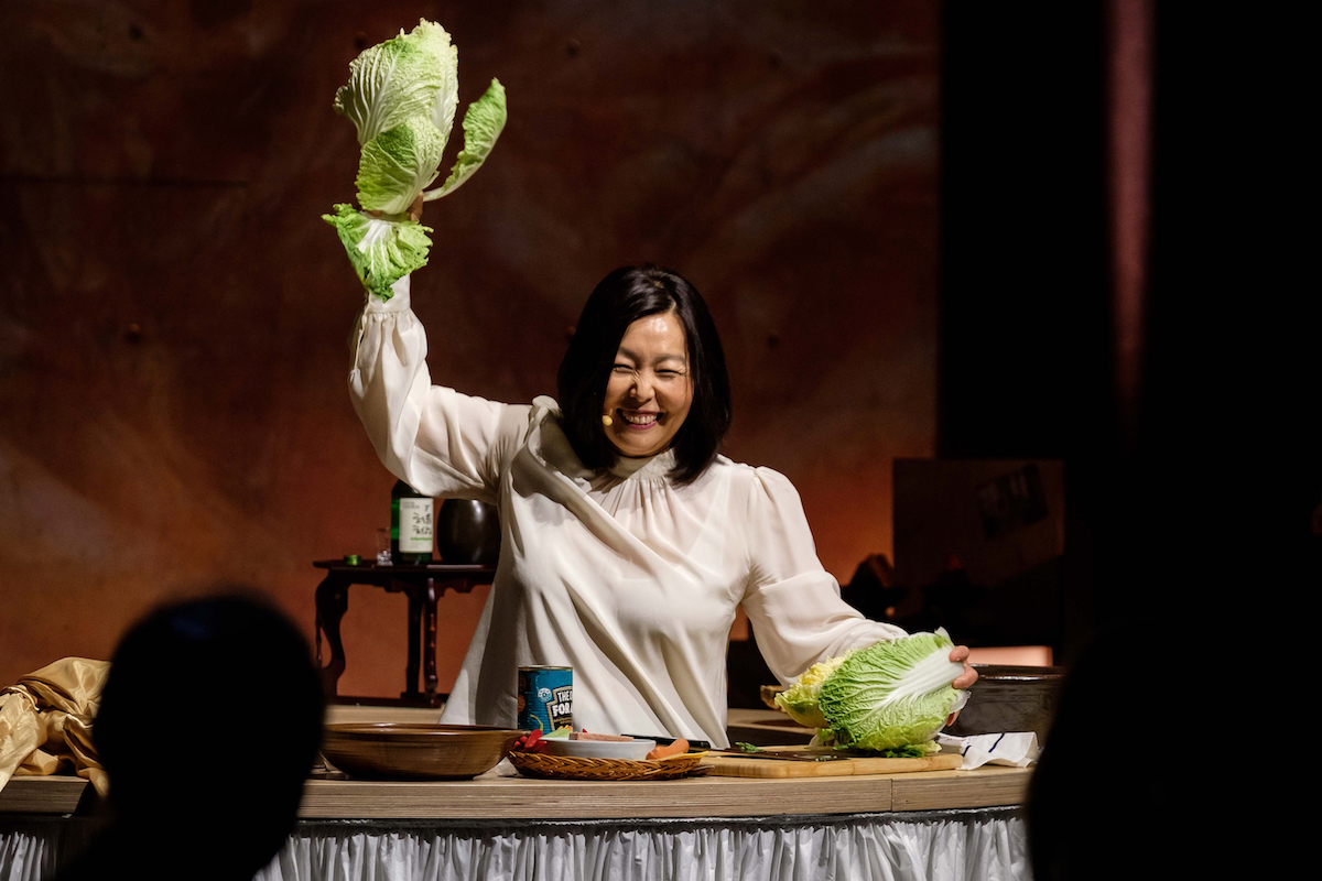 DoubleDelicious Heather Jeong tearing cabbage Photo Clare Hawley copy
