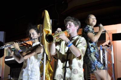 Serena Suen, Gilbert East and Cordelia Hsu at 2013 SCNY Parade